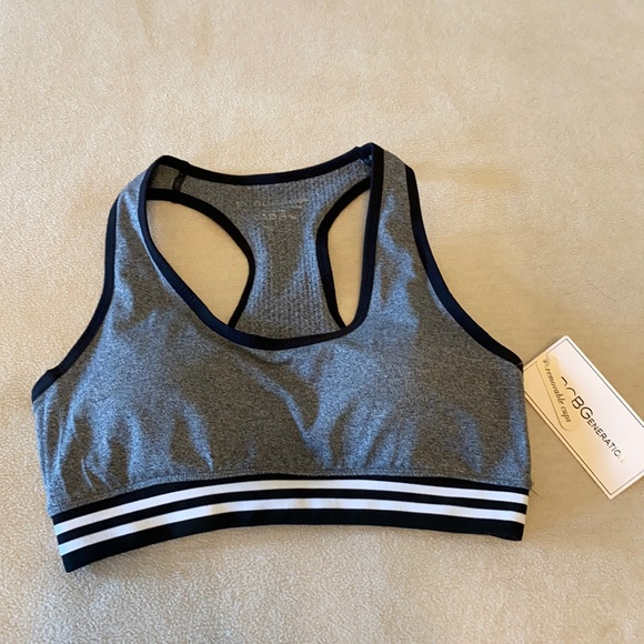 BCBG brand new with tag sports top size L in Grey